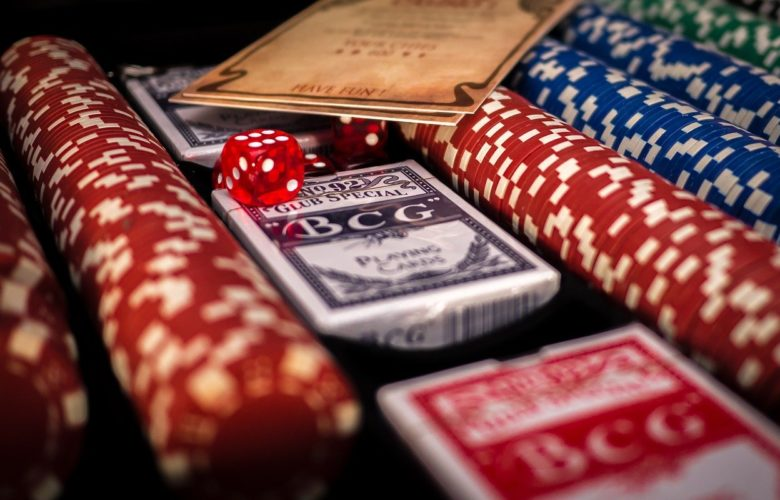 How to play poker? The Ultimate Guide