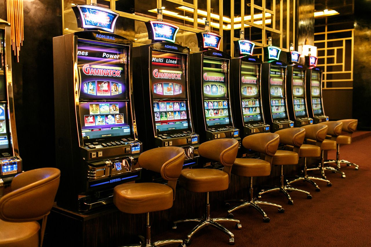 Casino Etiquette: How to Behave at Casinos and Gambling Venues