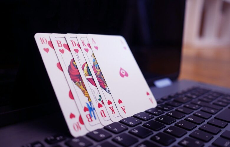 Dos and Don'ts Of Online Poker: Beginner-Friendly